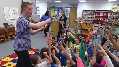 Traveling School Librarian Spreads Enthusiasm for Reading